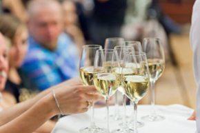 Spotkania integracyjne przy winie