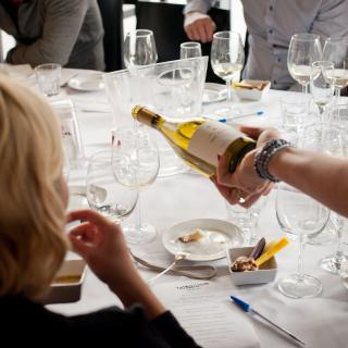 degustacja białego wina