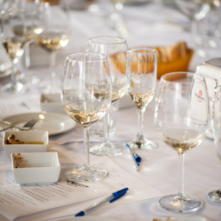 kieliszki z winem