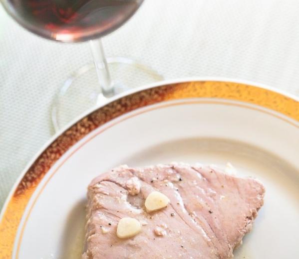 Wino do steku z tuńczyka