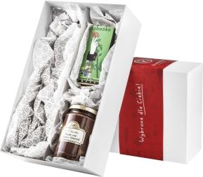 Pudełko prezentowe ze słodkimi dodatkami i miejscem na jedną butelkę