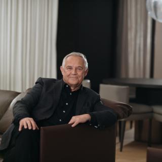 Marek Kondrat owinie, przyjemnościach życia, wyzwaniach biznesowych