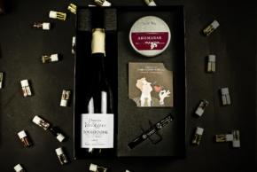 Zestaw prezentowy aromabar i wino pinot noir