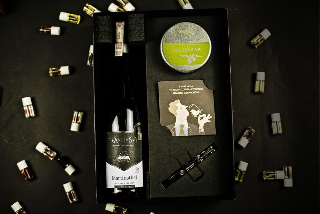 Zestaw prezentowy aromabar i wino riesling